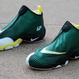 Nike - SOLE COLLECTOR × NIKE ZOOM FLIGHT THE GLOVE SONIC WAVE