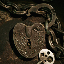 LYNCH SILVERSMITH - HEART LOCK