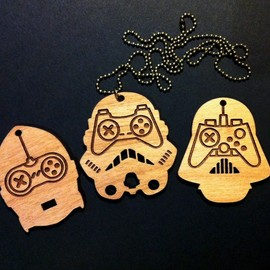 bRainbowshop - STAR WARS vs Game Controller necklace