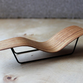 onefortythree - micro bent plywood chaise lounge