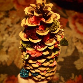 The Little Shop of Flowers - sugar pine cone