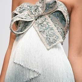 marchesa - fabulous bow