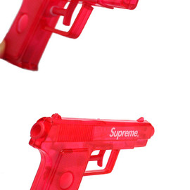 Supreme - WATER PISTOL
