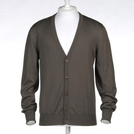 maison martin margiela - Three buttons cardigan with elbow leather patches made in wool and cotton.  Light-weight knit V-neckline Button closing