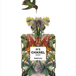 CHANEL - CHANEL Flower Bottle