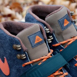 Nike, Poler - Trainerendor Mid Premium - Dark Obsidian/Electric Orange/Brown