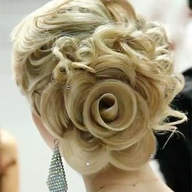 Rose hairstyle/GORGEOUS!!