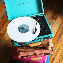 urban outfitters - Crosley X UO Cruiser Briefcase Portable Vinyl Record Player