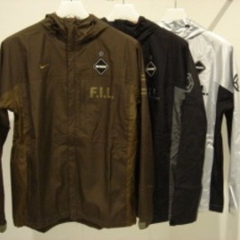 F.C.R.B., F.I.L., honeyee - FCRB x F.I.L. x honeyee STORM-FIT WARM UP JACKET
