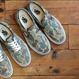 VANS - VANDOREN ERA & CLASSIC SLIP ON color:CAMO