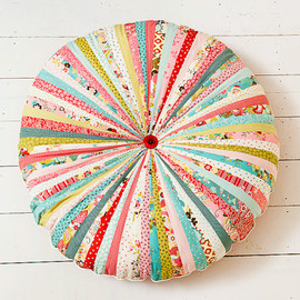 BigBirdsBoutique - floor cushion