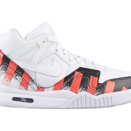 Nike - Nike Air Tech Challenge II