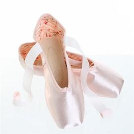 Chacott - pointe shoes