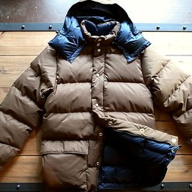 Crescent Down Works - Classico Down Parka / BROWN x NAVY