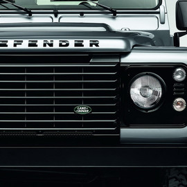 Land Rover - 2015-land-rover-defender-black-silver-pack-02