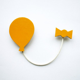 lucie0ellen - Balloon and Ribbon Brooch