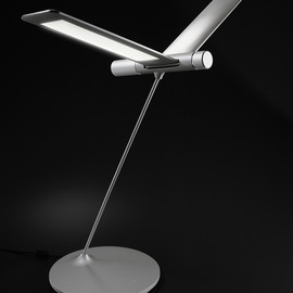 QisDESIGN - The Seagull Light - LED Table