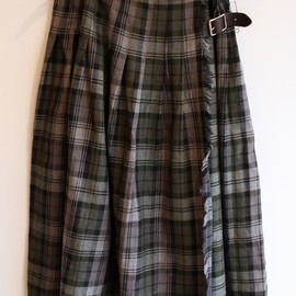 O'NEIL OF DUBLIN - WIDE & ALLOVER PLEAT KILT WITH WASHED SKIRT