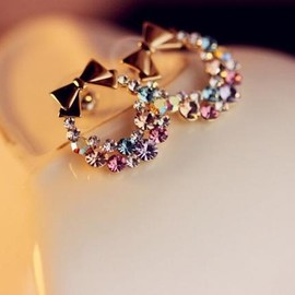 LK Dress - Circular Rhinestone Bow Earrings