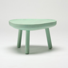 Karimoku New Standard - Soft Triangle low table Designed by TAF