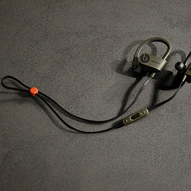 UNDEFEATED, Beats by Dr. Dre - Powerbeats2 - Olive/Orange