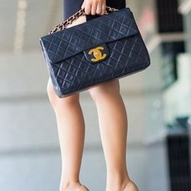 CHANEL - bag/sexy style...