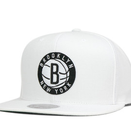 Mitchell&Ness - MITCHELL&NESS CAP NBA CURRENT SOLID TEAM COLOR BROOKLYN NETS SNAPBACK WHITE