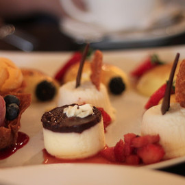 Finale Desserterie & Bakery - Boston - Dessert Sampler