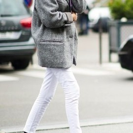 white jeans style.