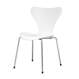 Fritz Hansen, Arne Jacobsen - SEVEN CHAIR  white
