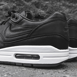 NikeLab - Air Max 1 Pinnacle - Black/White