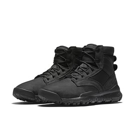 "NIKE - SFB 6"" Canvas Boot - Black/Black?"