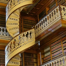 Iowa - Spiral staircase in the Iowa state capital library. - Pixdaus