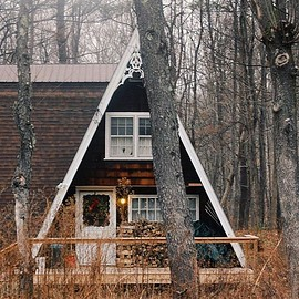The cutest cabin from last weekend. Hope everyone is having a lovely Saturday !