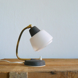 vintage - 50s small bedside lamp.
