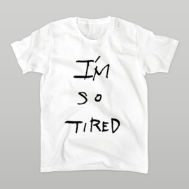 dansugiura - tired Tシャツ