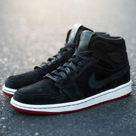 Nike - NIKE AIR JORDAN 1 MID NOUVEAU BLACK/BLACK-GYM RED-SAIL