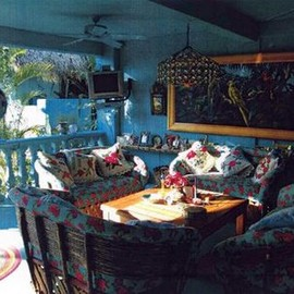 BETSEY JOHNSON - Betsey's Beach Home located in Guerrero, Mexico