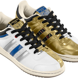 adidas - adidas-originals-star-wars-fall-winter-2010-top-ten-r2d2-c3po-3