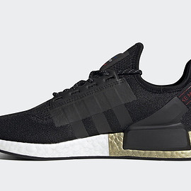 adidas - NMD R1 V2 - Core Black/Core Black/Metallic Gold