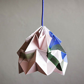 Studio Snowpuppe and Tas-ka - Moth Lamp