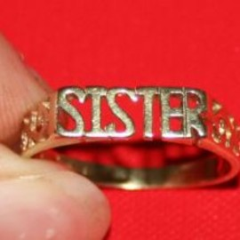 Kinners Jewellers - a76 LADIES 9CT GOLD SISTER RING