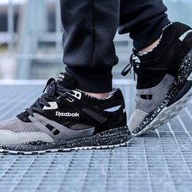 Reebok - MIGHTY HEALTHY × REEBOK VENTILATOR BLACK/CARBON/GREY/WHITE