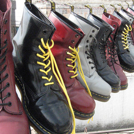 Dr.Martens - 8 hole boots with yellow lacing
