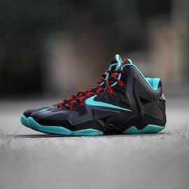 Nike - NIKE LEBRON 11 BLACK/DIFFUSED JADE-LIGHT CRIMSON-JADE GLAZE