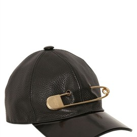 MARC JACOBS - MAXI LOGO PIN LEATHER BASEBALL CAP