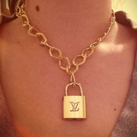 LOUIS VUITTON - Necklace
