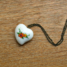 GyStefania's handmade jewelry - Floral Porcelain Heart Necklace