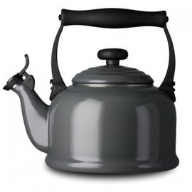 Le Creuset - Granite/Traditional Kettle with Whistle grey