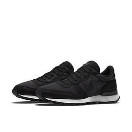 NIKE - Internationalist TP - Black/Black/White?